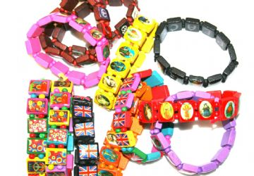 720 mixed wooden bracelets - only 5p EACH